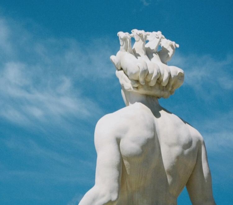 Il ciclone anti traguardo / The antiaccomplishment cyclon