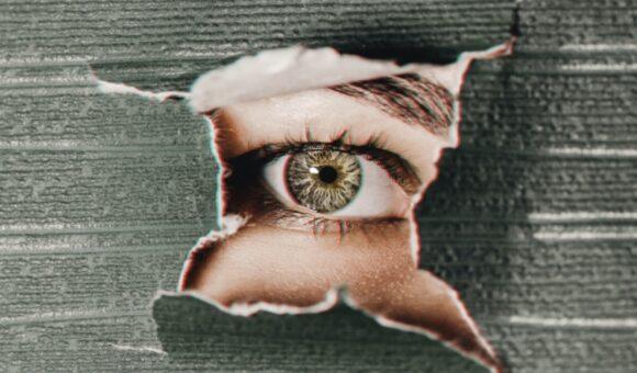 A me gli occhi / All eyes on me